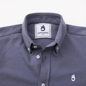 cuello-gris-polo-camisa